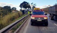caminhão-tomba-na-br-040-01