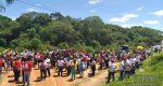 FIÉIS PARTICIPAM DA CAMINHADA MISSIONÁRIA PROMOVIDA PELA PARÓQUIA DO BOM PASTOR