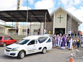 cerimonia-funebre-padre-jaime-em-barbacena-foto-januario-basilio-02