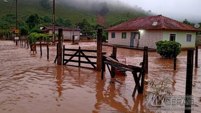 chuva-causa-destruição-em-correia-de-almeida-mg-09