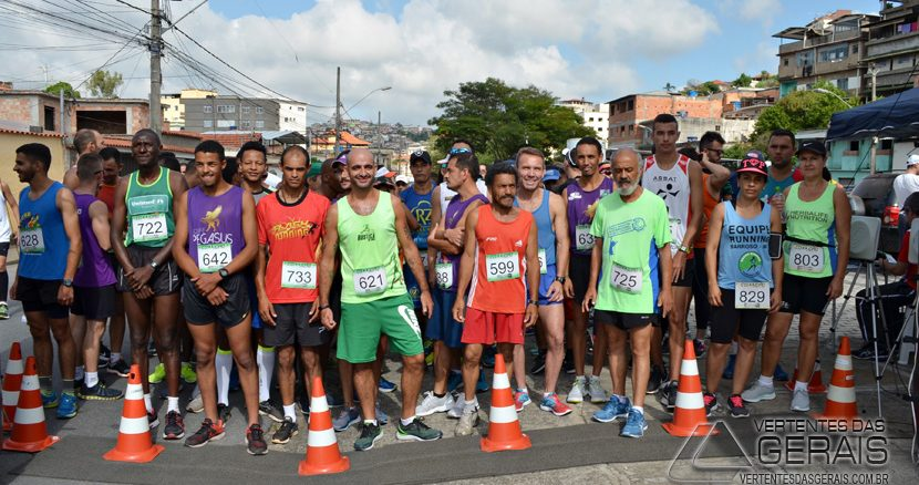 corrida-início-professora-zinha-mazzoni-em-barbacena-mg-foto-januario-basílio-12pg