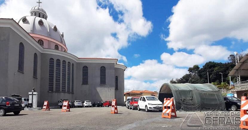 drive-trhu-na-basilica-de-sao-jose-foto-rodrigo-carroça (2)