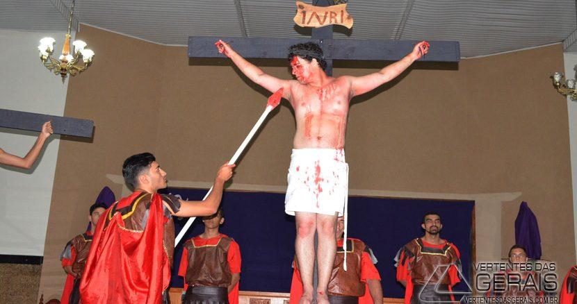 encenação-da-paixao-morte-eressureição-de-cristo-na-igreja-da-penha-em-barbacena-13