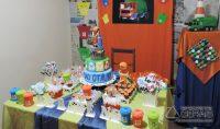 Festa de aniversário de João Otávio foi inspirado nos garis (Foto: Raquel Rosângela/Arquivo pessoal)