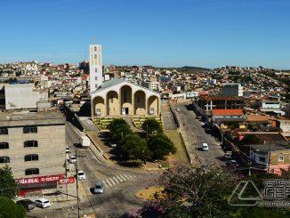 Praça São Sebastião em Barbacena.