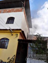 incêndio-atinge-residencia-em-lafaiete-01