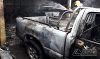 incêndio-atinge-veículos-01