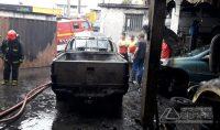 incêndio-atinge-veículos-05
