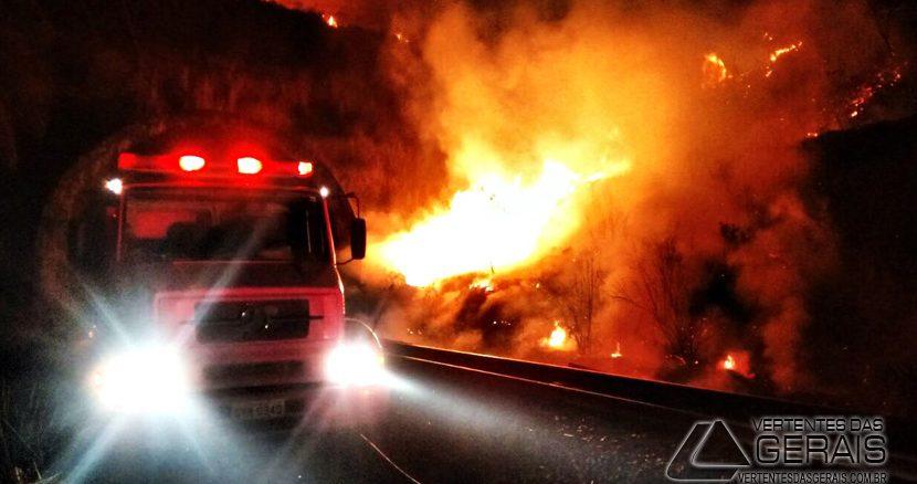 incêndio-em-propriedade-rural-em-ritápolis-02