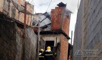 incêndio-em-residência-de-barbacena-mg