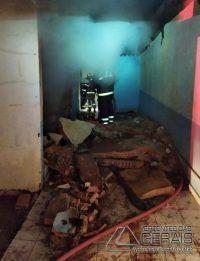 incêndio-em-residencia-de-lafaiete-03