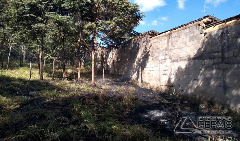 incendio-em-area-de-vegetacao-no-bairro-monte-mario-em-barbacena-02