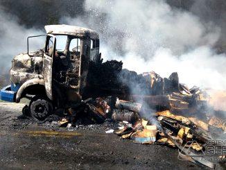 incendio-em-caminhão-na-mg-448-01