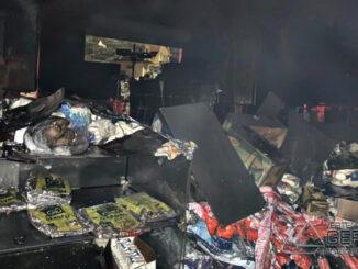 incendio-em-deposito-de-materiais-para-construção-em-lafaiete-02