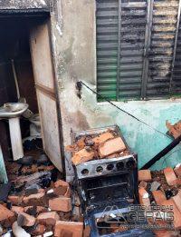 incendio-em-residencia-em-ibertioga-mg-02