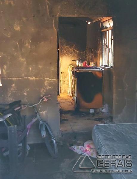 incendio-em-residencia-em-lafaiete-03