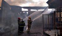 incendio-na-fabrica-da-marluvas-em-dores-de-campos-mg-04