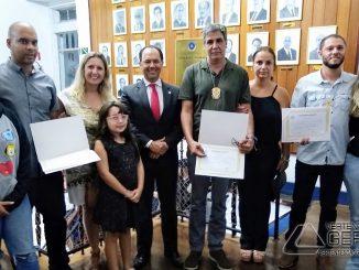 investigadores-da-polícia-civil-são-homenageados-pela-câmara-de-barbacena-foto01