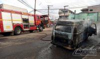 kombi-pega-fogo-no-bairro-nove-de-março-em-barbacena-03