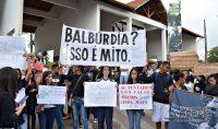 manifestação-em-barbacena-contra-cortes-de-verbas-na-educação-foto-januário-basílio-02