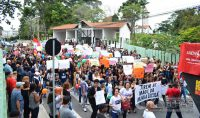 manifestação-em-barbacena-contra-cortes-de-verbas-na-educação-foto-januário-basílio-05
