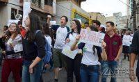 manifestação-em-barbacena-contra-cortes-de-verbas-na-educação-foto-januário-basílio-10