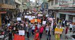ESTUDANTES E ENTIDADES PROTESTAM EM BARBACENA, CONTRA CORTES NA EDUCAÇÃO