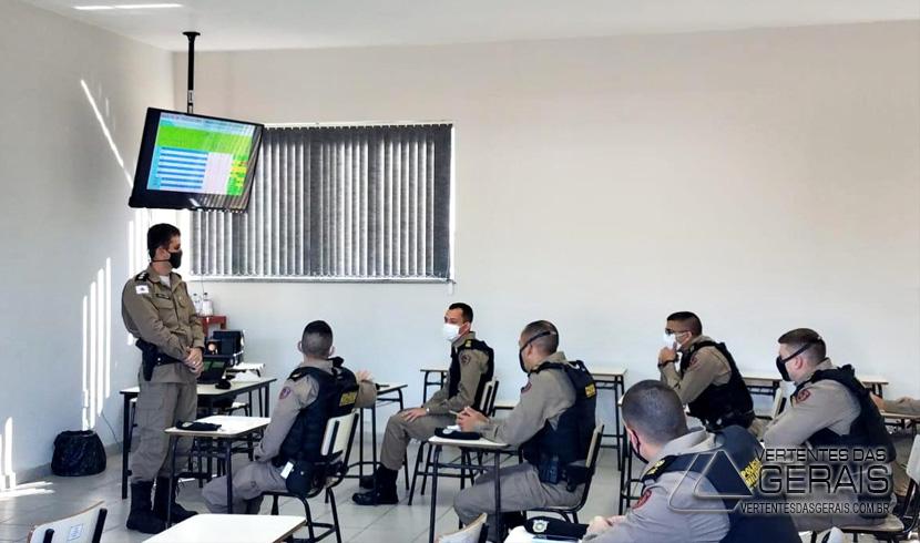 militares-do-cfo-na-13ª-RPM-barbacena-02