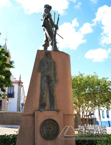 monumento-segunda-guerra-mundial-em-barbacena-foto-januario-basilio-01