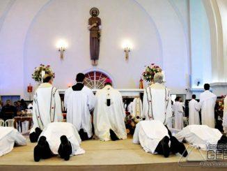 ordenação-religiosa-na-basilica-de-sao-jose-em-barbacena