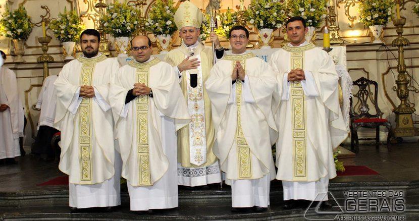 ordenação-sacerdotal-em-barbacena-foto-07