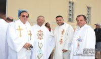 Cônego Tarcísio ladeado pelo Padre Eudes de Carvalho(Paróquia de Sto. Antônio) e Padre Afrânio(Pároco de São Pedro).