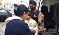pm-faz-entrega-de-doação-de-cestas-basicas-em-barbacena-02