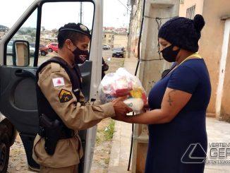 pm-faz-entrega-de-doação-de-cestas-basicas-em-barbacena-03