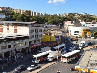 trânsito-no-bairro-pontilhão-em-barbacena-foto-januário-basílio