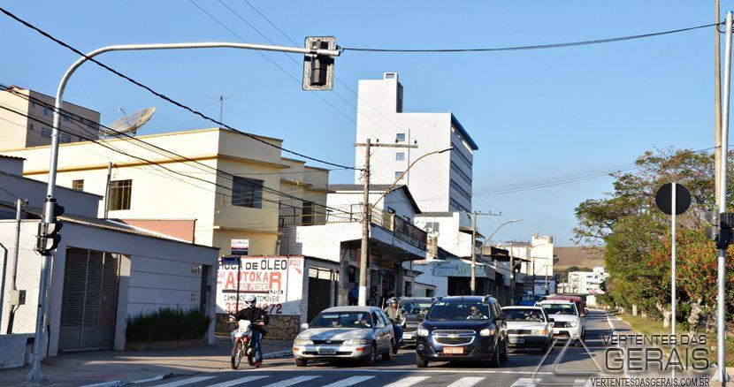 transito-na-avenida-gv-bias-fortes
