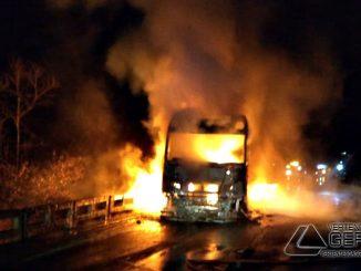 veículos-pegam-fogo-na-br-040-em-congonhas-mg-02